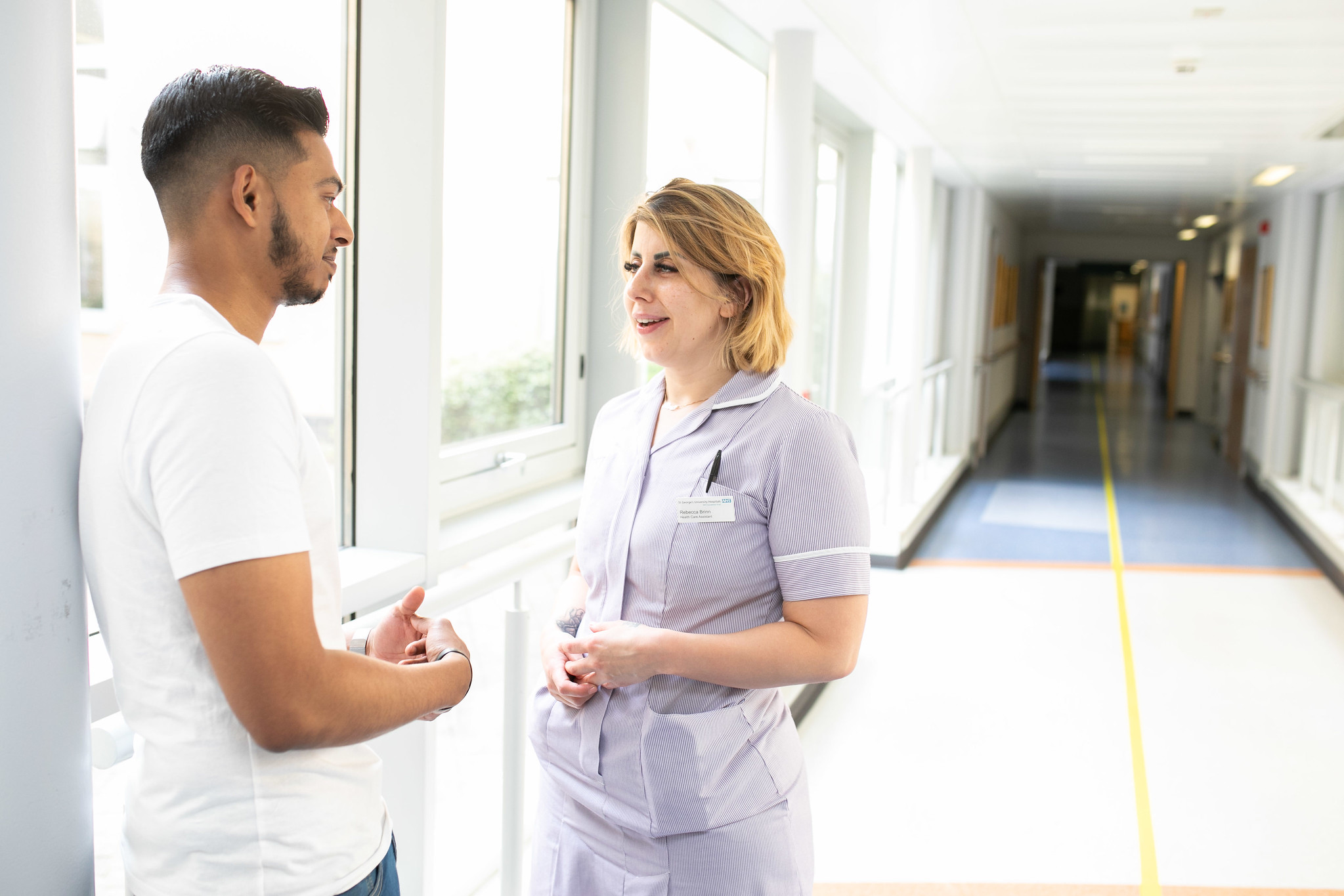 Man talking to a nurse